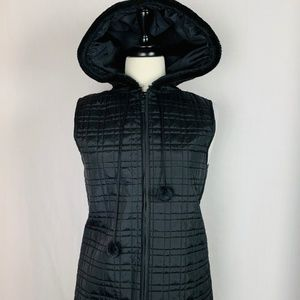 For Cynthia NWT Size M Zippered Hooded Black Vest